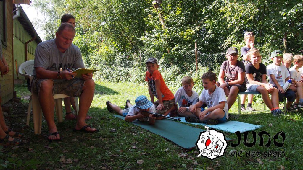 Judo víc než sport – tábor v Nižboru 2017 – Střelba ze vzduchovky