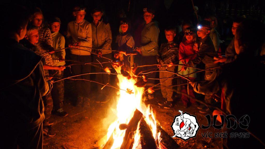 Soustředění 2018 - Táborový oheň