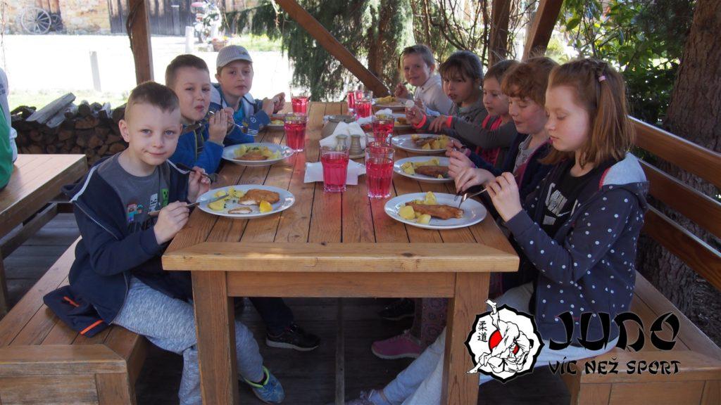 Velikonoční randori 2019 - oběd Ve století