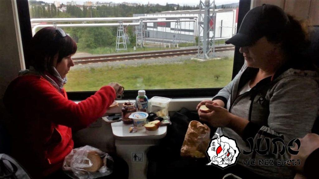 Catering ve vlaku