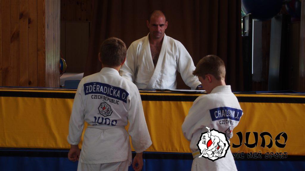 Judo víc než sport – tábor v Nižboru 2017 – Zkoušky v sokolovně