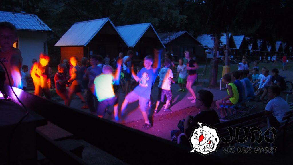 Judo víc než sport – tábor v Nižboru 2017 – Diskotéka